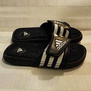 Youth/Boys Adidas adjustable sandals size 4
